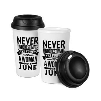 Never Underestimate the poer of a Woman born in..., Κούπα ταξιδιού πλαστικό (BPA-FREE) με καπάκι βιδωτό, διπλού τοιχώματος (θερμό) 330ml (1 τεμάχιο)